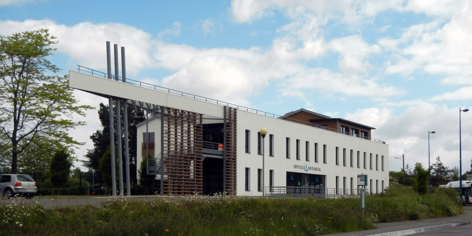 Agence d 39 architecture vincent de bourmont tertiaire for Architecte contractant general